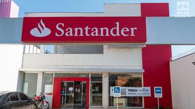 bbfee65b2 SindicarioNET - Funcionários do Santander podem concorrer a bolsa de ...